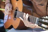 玩 gitar — 图库照片