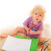 LIttle girl drawing — Stock Photo