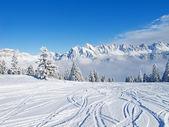 Skiën helling — Stockfoto
