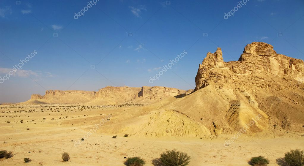 Clay rocks surrounding Riyadh city in Saudi Arabia                                — Stock Photo #5097152