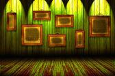 Stary pokój z ramki drewniane, przemysłowe wnętrza — Zdjęcie stockowe