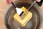 准备一些有机黄油烤的蛋糕 — 图库照片
