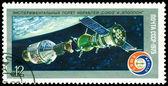 复古邮票。阿波罗和联盟号运载火箭. — 图库照片