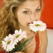 Girl with flowers — Stock Photo #3943082