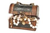 Treasure chest with jewelry — Stock Photo