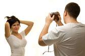 Photographe pose belle femme — Photo