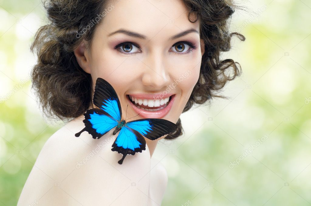 Girl and a beautiful butterfly — Stock Photo #5223330