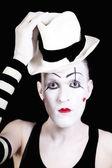 Mime com red bow ina branco chapéu e luvas listradas — Fotografia Stock