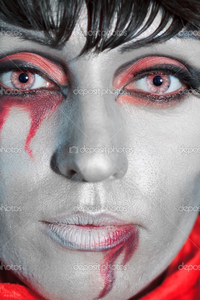 Woman as a vampire. Halloween face art — Stock Photo #4061018