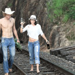 couple sur les rails du train — Photo