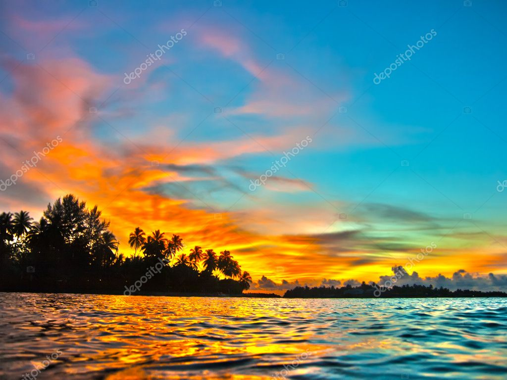 Beautiful sunset. Indian ocean. Maldives — Stock Photo #4627030