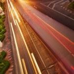 circulation de nuit dans la ville — Photo