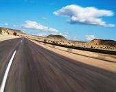 Straße mit bewegungsunschärfe — Stockfoto