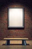 Marco en blanco en la galería — Foto de Stock