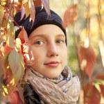 Autumn portrait of teen girl — Stock Photo
