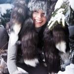 γυναίκα ομορφιά το τοπίο το χειμώνα — Φωτογραφία Αρχείου #4824232