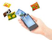 Mobiltelefon i handen. — Stockfoto