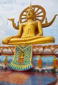 Wielki posąg buddy — Zdjęcie stockowe