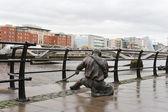 La estatua del juez de línea. dublin, irlanda — Foto de Stock