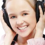 Kid girl in headphones — Stock Photo #3947474