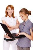 Dos chicas con el cuaderno — Foto de Stock