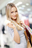 Shopping blonde — Stock Photo