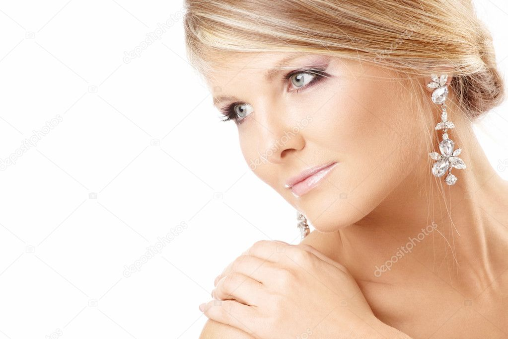 Portrait of the beautiful blonde with jewelry, isolated — Stock Photo #4015757
