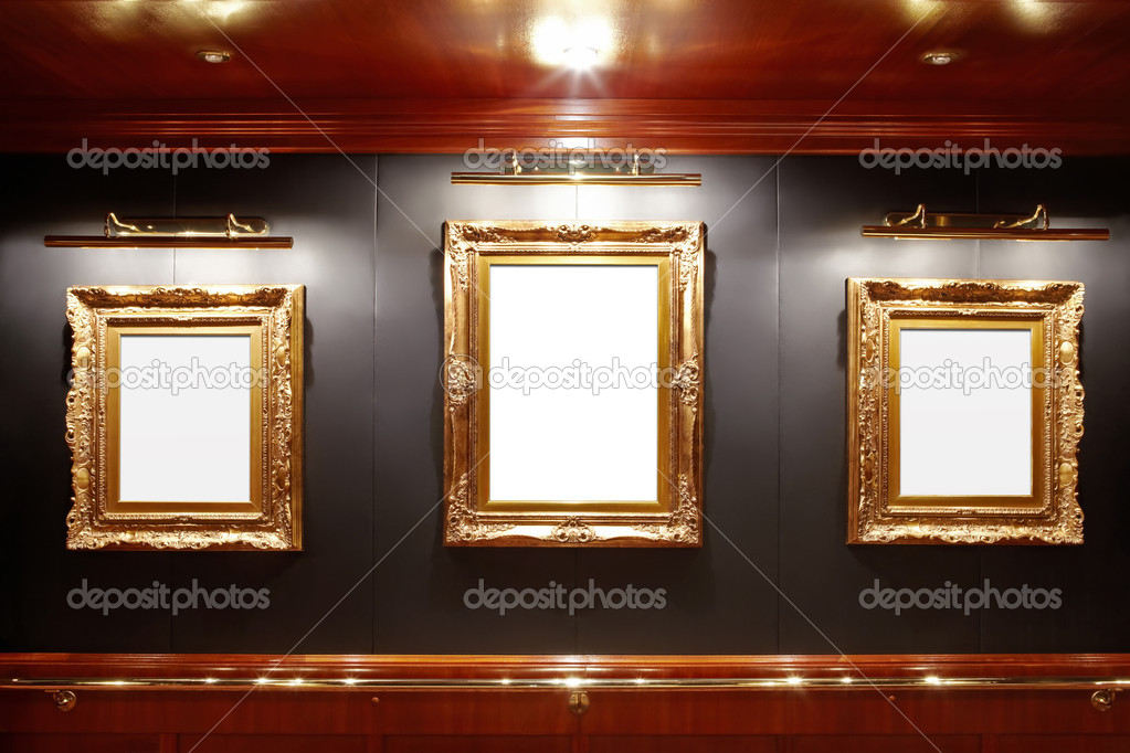 Gallery with blank frames — Stockfoto #4016565