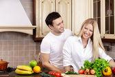 Mutfak couple — Stok fotoğraf