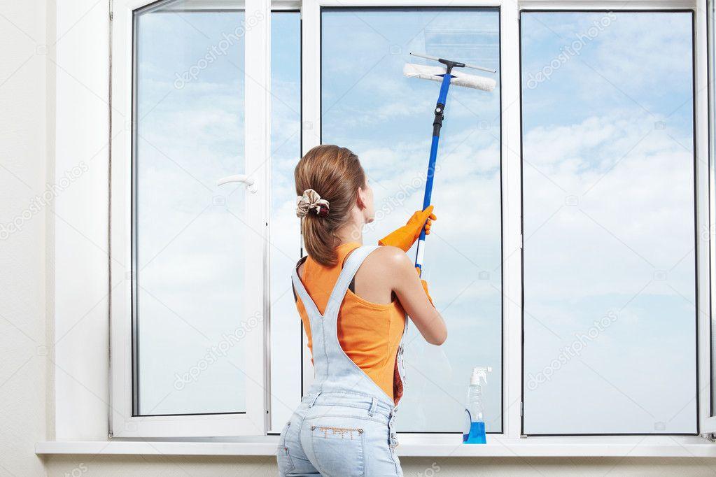 Как мыть окна - способы и моющие средства.