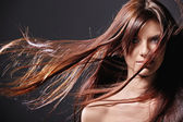 Coiffer les cheveux — Photo