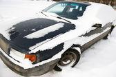 Kar altında araba — Stok fotoğraf