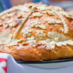 Traditional Ukrainian wedding bread — Stock Photo