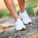 Woman walking trail — Stock Photo