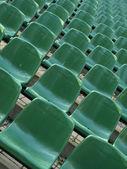 Sedili verde stadio vuoto — Foto Stock