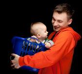快乐年轻父亲和孩子的男孩 — 图库照片