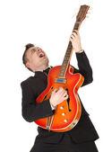 Uomo che suona alla chitarra elettrica — Foto Stock