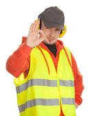 Trabajador en chaleco protector, ok — Foto de Stock