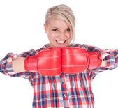 Junge frau in boxhandschuhe — Stockfoto