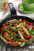 Pasta with chicken and vegetables — Stock Photo