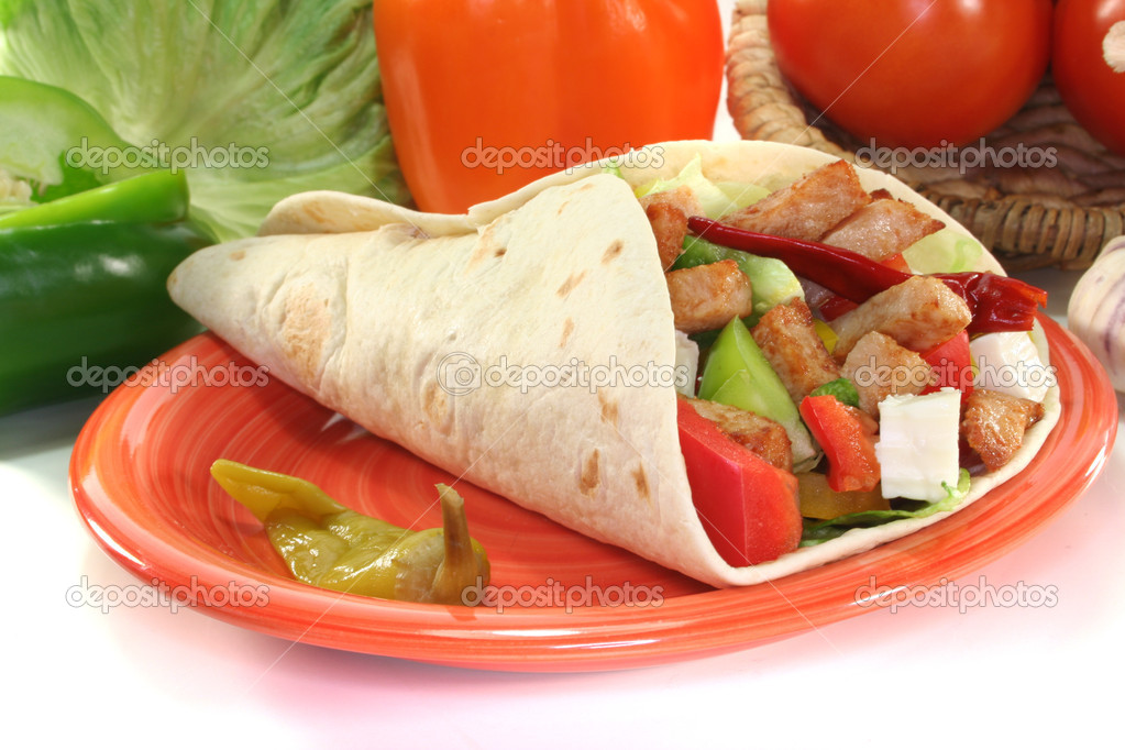 Wrap with mixed vegetables, cheese and turkey strips — Stock Photo #4375944
