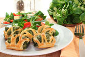 Puff pastry with spinach and cheese filling — Stock Photo