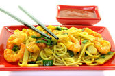 Noodles with Asian prawns — Stock Photo