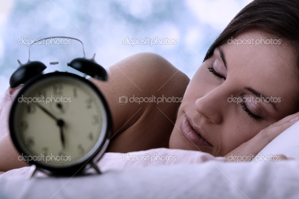 Beautiful Caucasian woman waking up in the morning. — Stock Photo #5005316