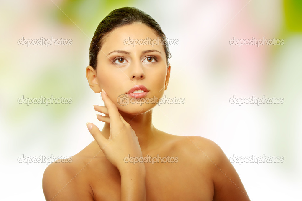 Beautiful woman's face with fresh clean skin — Stock Photo #5008308