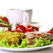 Meal garnish with tuna and vegetables — Stock Photo