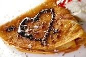 デザート プレート動作パンケーキとイチゴ — ストック写真