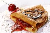Dessert plate witn pancakes and strawberry — Photo