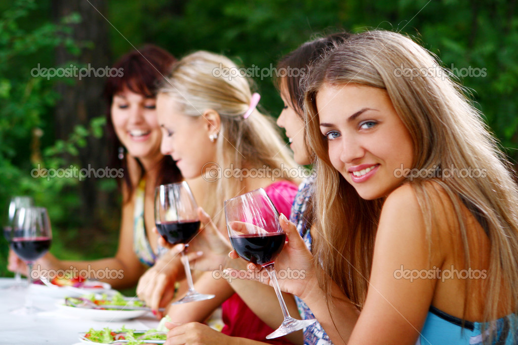 Group of beautiful woman drinking wine — Stok fotoğraf #4300829