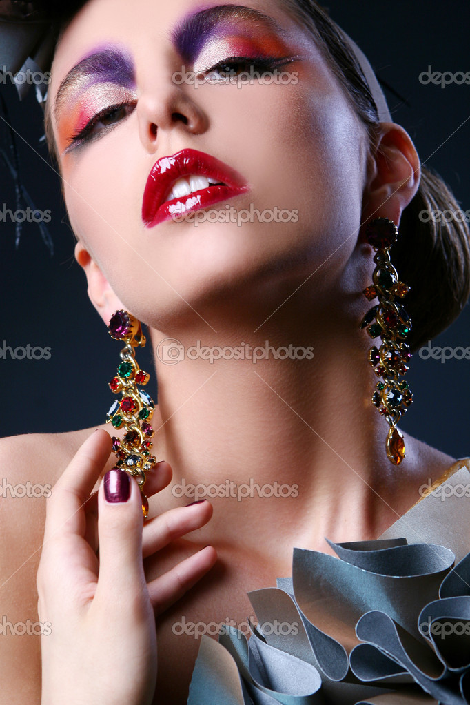 Beautiful young girl in stylish image — Stock Photo #4302719